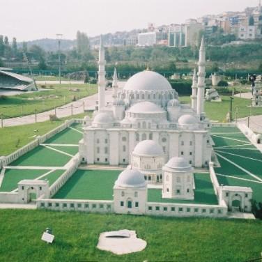 miniaturk-mosque